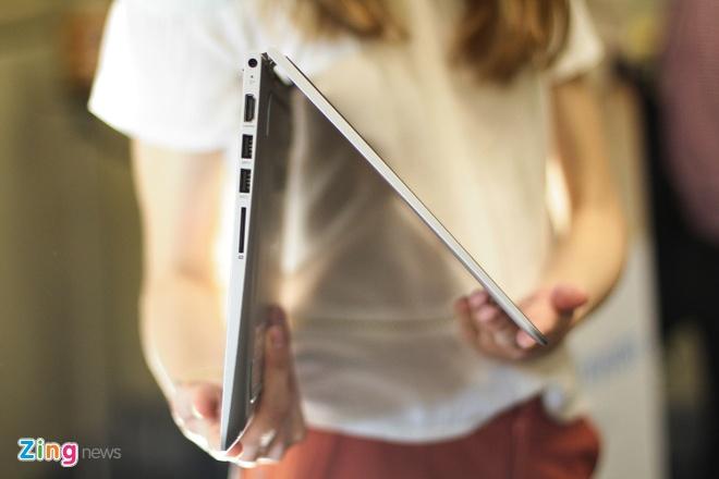 Laptop xoay gap 360 do ve Viet Nam, gia 12,9 trieu dong hinh anh 7
