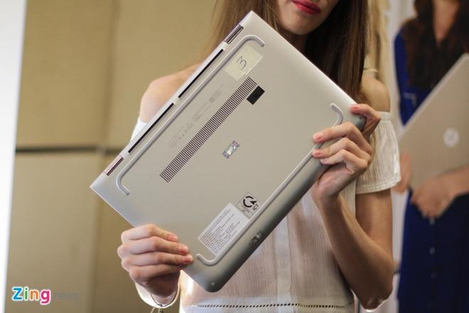 Laptop xoay gap 360 do ve Viet Nam, gia 12,9 trieu dong hinh anh 11