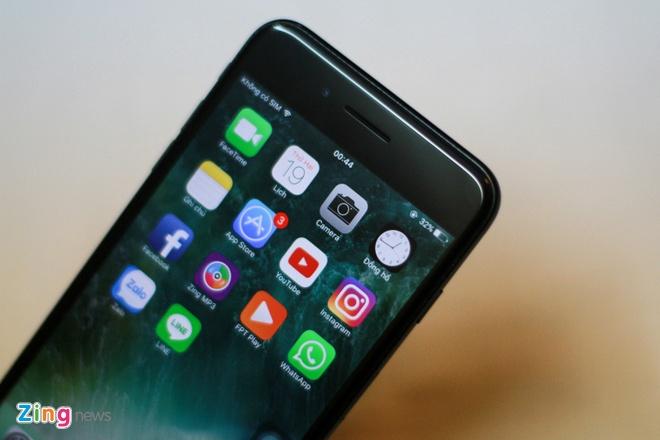 Anh iPhone 7 Plus Jet Black vua ve VN, gia 36 trieu dong hinh anh 12