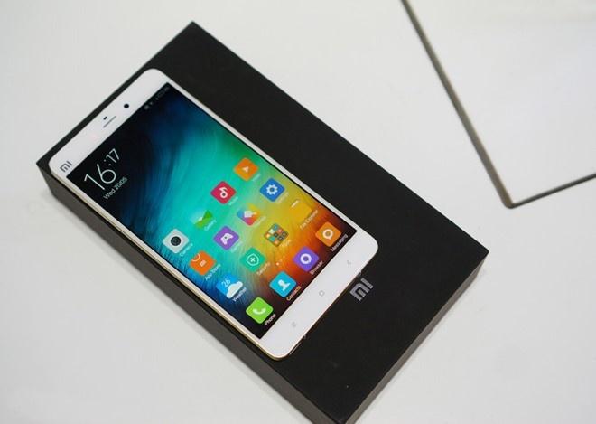 5 smartphone xach tay tam gia 7 trieu canh tranh iPhone 6 hinh anh 4