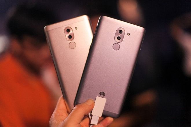 Huawei ra mat GR5 2017: Camera kep, gia 5,9 trieu dong hinh anh