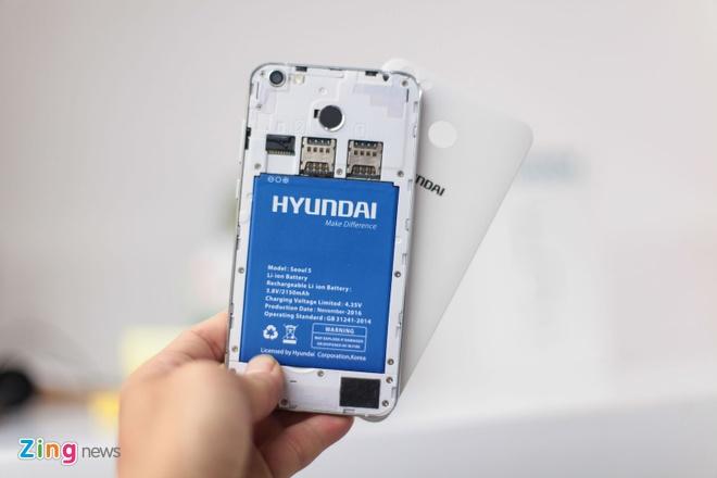 Anh smartphone dau tien cua Hyundai vua ve Viet Nam hinh anh 4