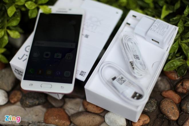 Anh Samsung Galaxy J7 Prime mau hong vua len ke tai VN hinh anh 2