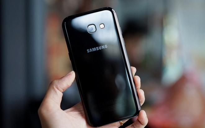 Samsung Galaxy A 2017 gia tu 9 trieu, len ke ngay 18/2 hinh anh