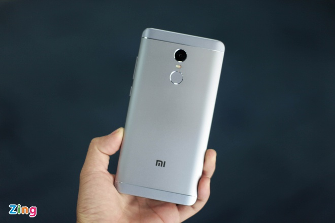 Smartphone Xiaomi pin 4.000 mAh gia 4,7 trieu dong tai VN hinh anh 3