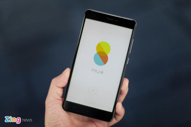 Smartphone Xiaomi pin 4.000 mAh gia 4,7 trieu dong tai VN hinh anh 4