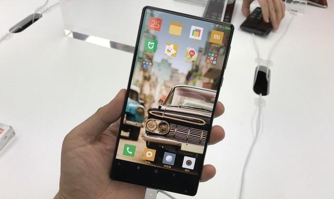 Nhung smartphone cao cap ra mat dau nam 2017 hinh anh