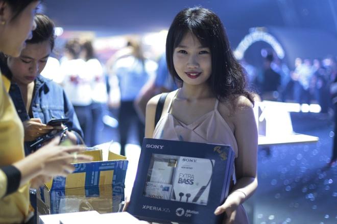 Le hoi trinh dien Sony Xperia XZs thu hut hang nghin ban tre Sai Gon hinh anh 11