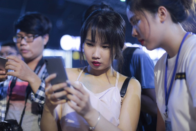 Le hoi trinh dien Sony Xperia XZs thu hut hang nghin ban tre Sai Gon hinh anh 12