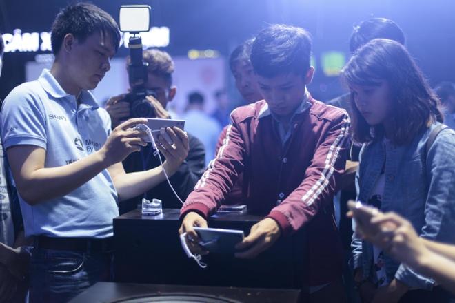 Le hoi trinh dien Sony Xperia XZs thu hut hang nghin ban tre Sai Gon hinh anh 7