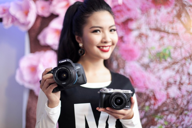 Canon dem loat may anh tam thap ve Viet Nam hinh anh 1
