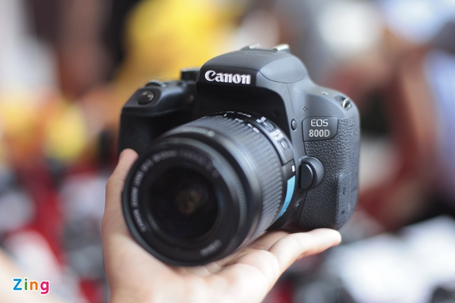 Anh thuc te Canon EOS 800D gia 18 trieu tai VN hinh anh