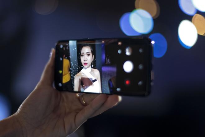 Smartphone selfie tot nhat anh 1
