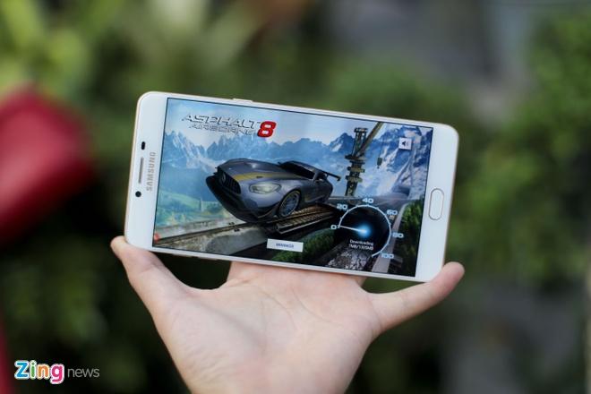 Danh gia Galaxy C9 Pro: Man hinh dep, choi game on dinh hinh anh 4