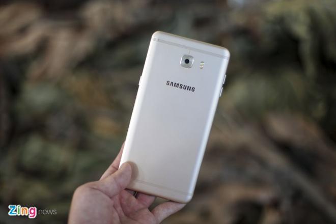 Danh gia Galaxy C9 Pro: Man hinh dep, choi game on dinh hinh anh 1