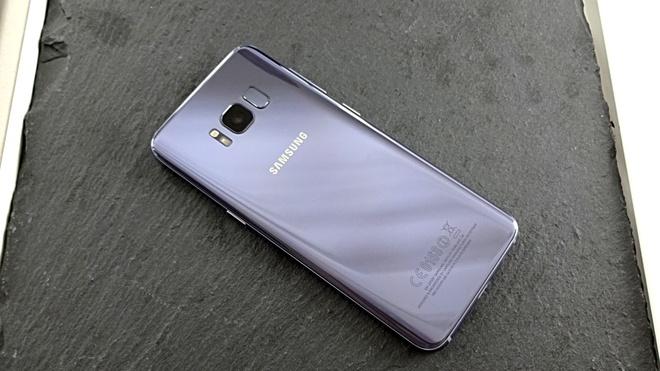 Samsung Galaxy S8+ them mau tim khoi o VN hinh anh