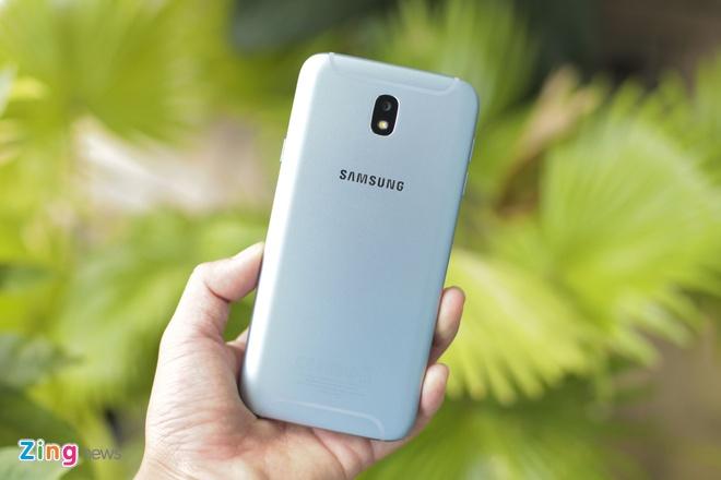 Samsung Galaxy J7 Pro anh 4