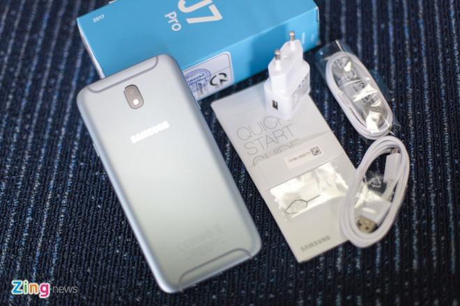 Samsung Galaxy J7 Pro anh 2
