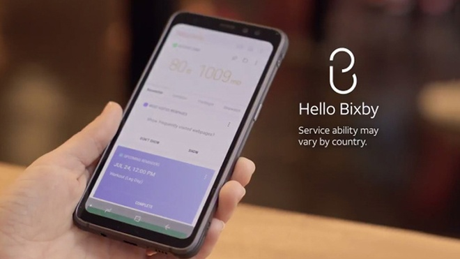 Tren tay Samsung Galaxy S8 Active vua len ke hinh anh