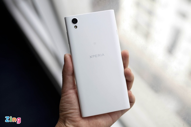 Danh gia Sony Xperia XL1 anh 1