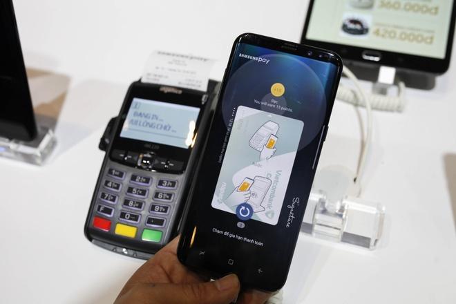 Samsung Pay ve Viet Nam, ho tro thanh toan bang mong mat hinh anh