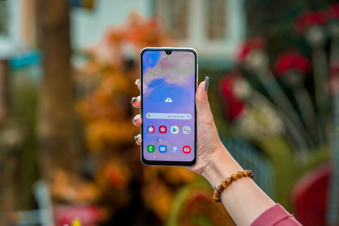 Samsung galaxy M30s gia re chien game khoe anh 5