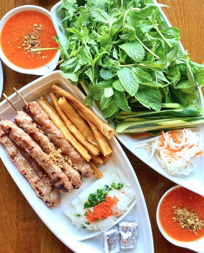 Nem nuong va 6 dac san Nha Trang hut khach mua he hinh anh 3