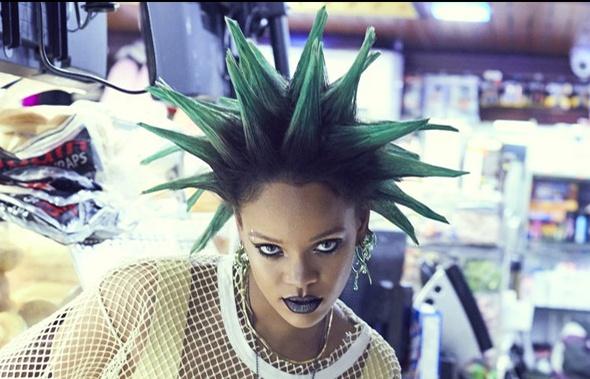 Rihanna hoa di nhan tren tap chi thang 3 hinh anh