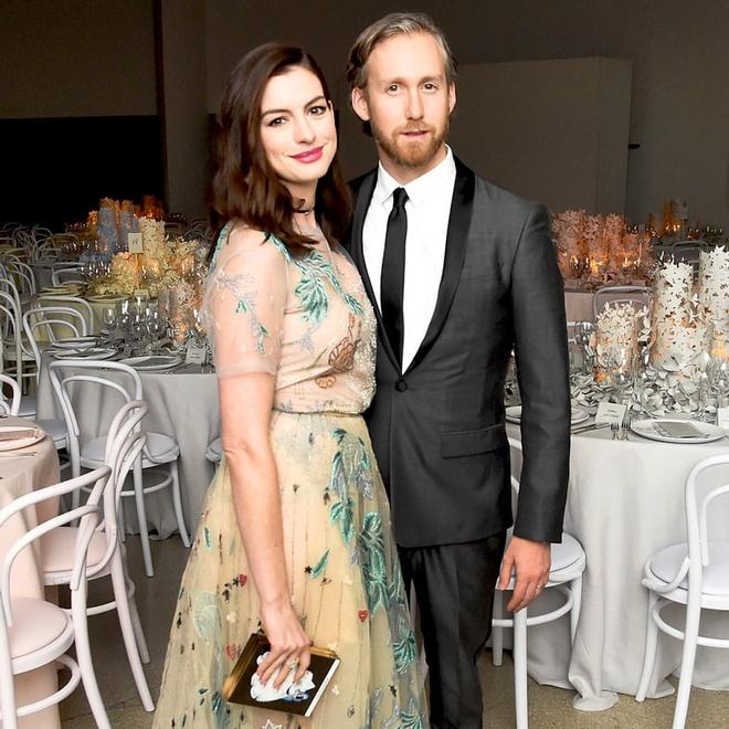 Anne Hathaway: 'Toi khong can ai ca, chi can chong thoi' hinh anh 1