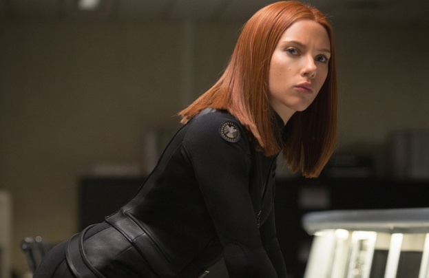 Khi Scarlett Johansson, Angelina Jolie giau bung bau di dong phim hinh anh