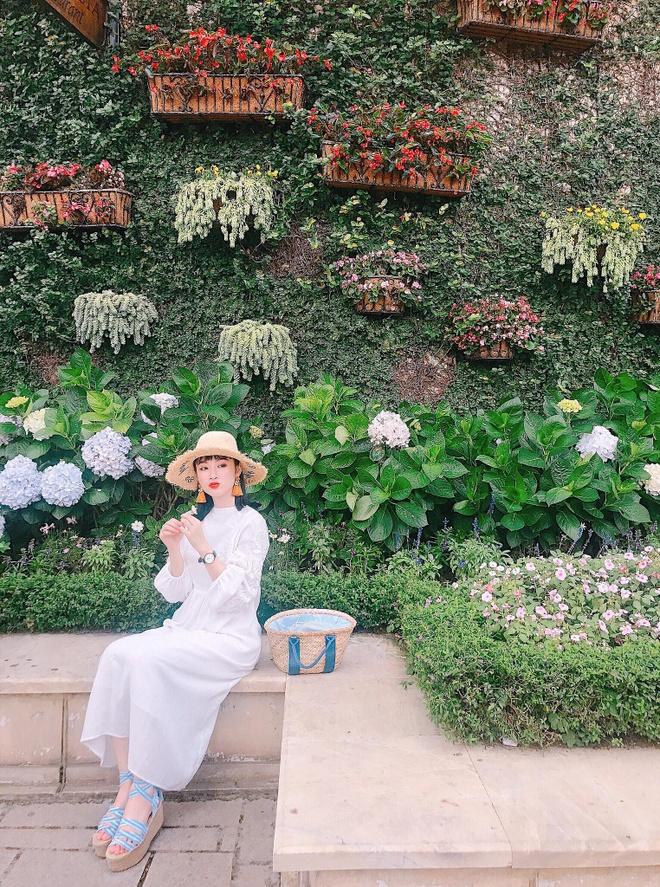 Angela Phuong Trinh va me anh 4