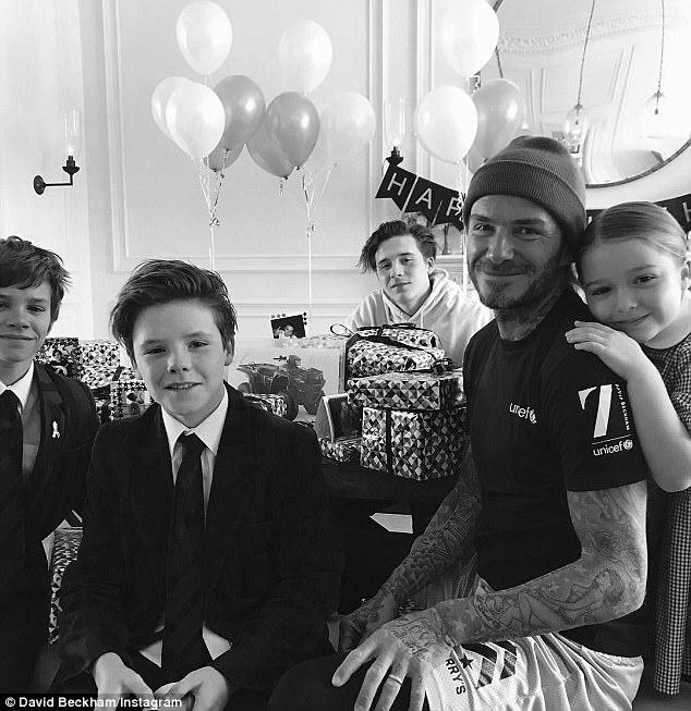 David Beckham mung sinh nhat 42 tuoi hanh phuc ben gia dinh hinh anh 3
