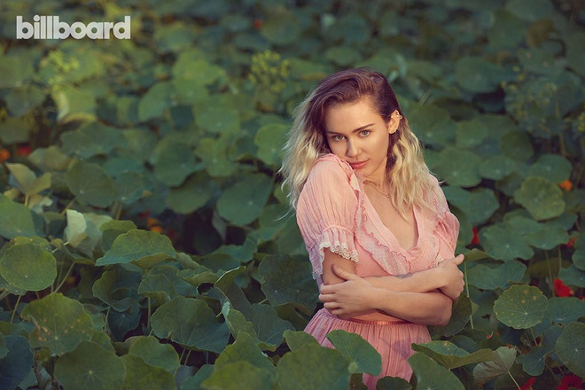 Miley Cyrus nu tinh tren bia Billboard anh 2
