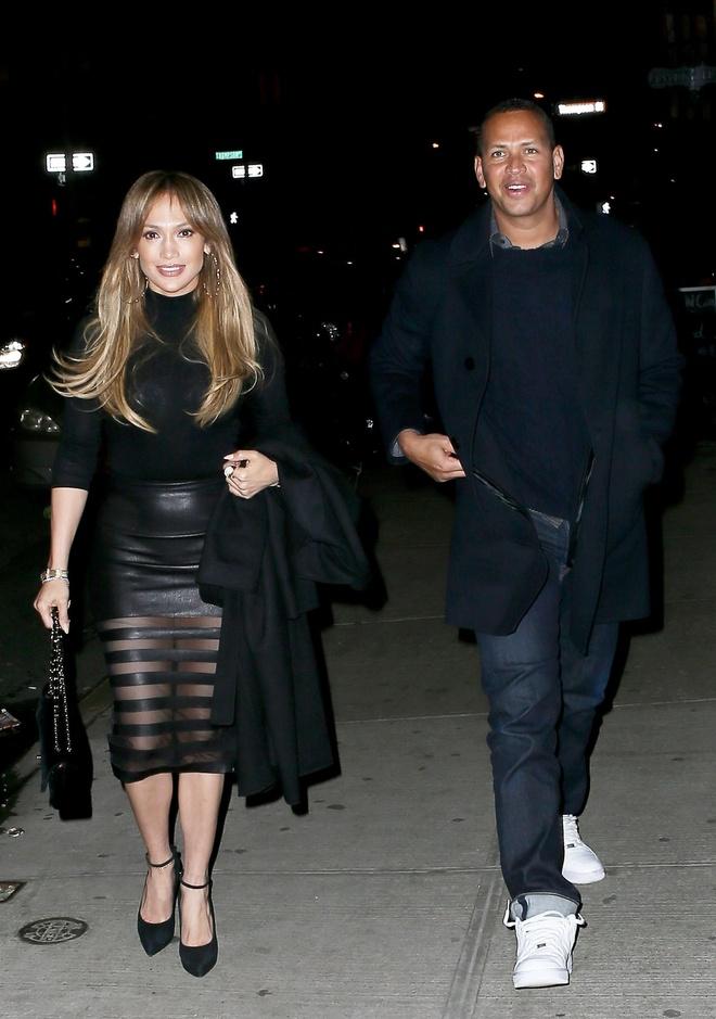 Jennifer Lopez va tinh tre duoc chon la cap doi thanh lich cua nam hinh anh 7