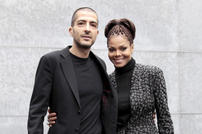 Da ly hon, Janet Jackson van duoc chong tang 100 bong hong sinh nhat hinh anh
