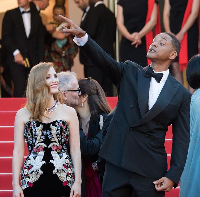 Will Smith vui cuoi hon ho khi lam giam khao Cannes 2017 hinh anh 3