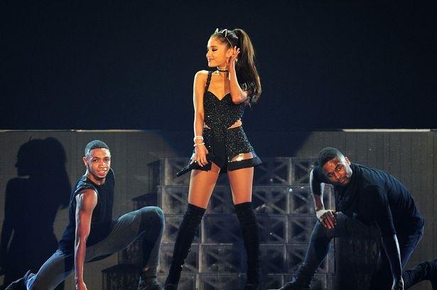 'Tieu diva' Ariana Grande an toan sau vu no dam mau tai Manchester hinh anh 2