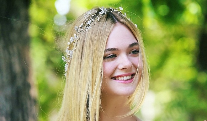 Elle Fanning: Nang tho 19 tuoi voi nu cuoi xinh nhat Hollywood hinh anh