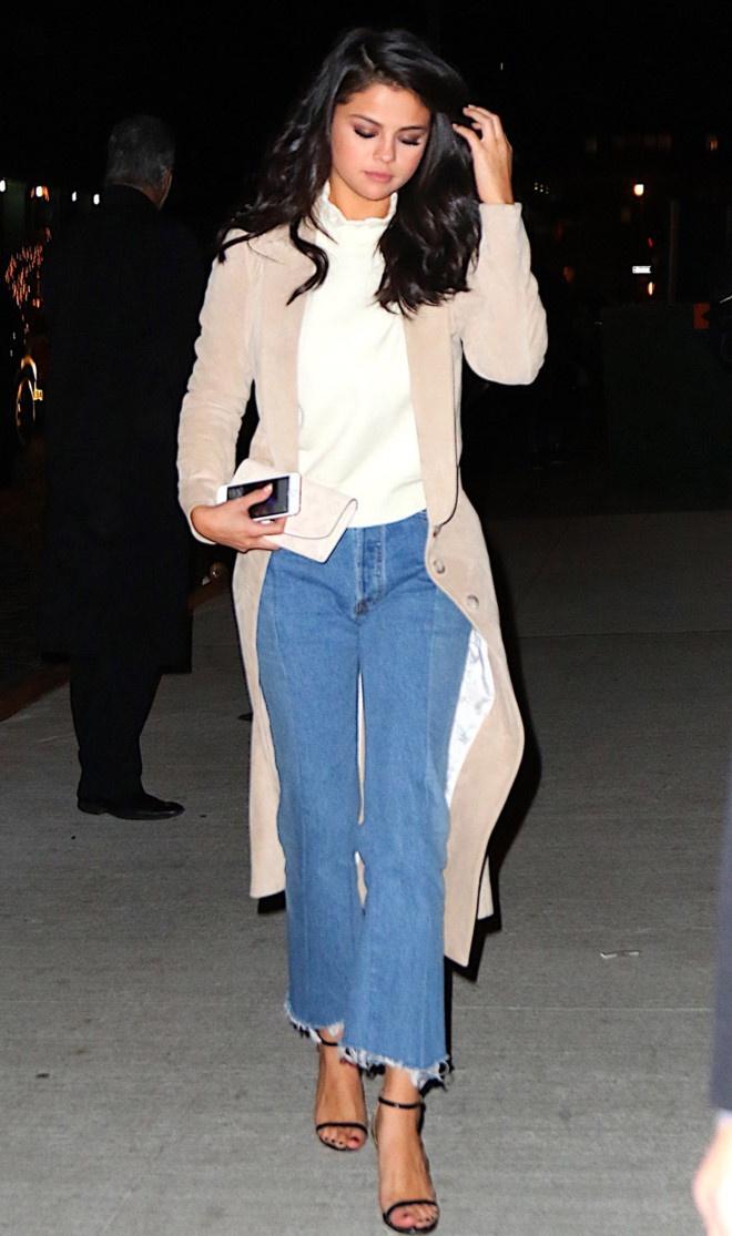 Hoc Selena Gomez cach dien quan jeans phu hop voi ao hinh anh 9