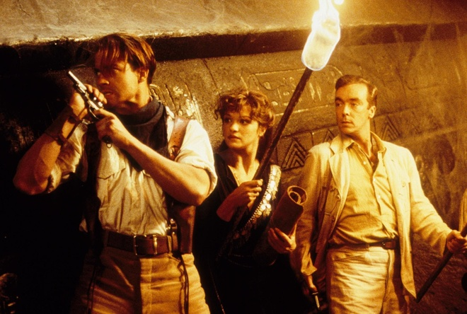 'The Mummy' phien ban 1999 co trong vu tru den toi cua Universal hinh anh
