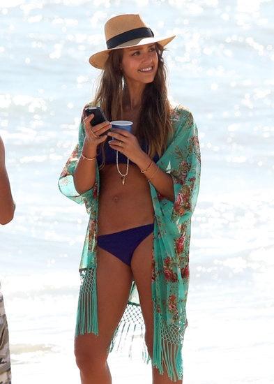 Nhung kieu bikini-cover quyen ru khi di bien hinh anh 10