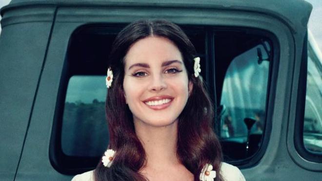 Lana Del Rey bat ngo tung hai bai moi hinh anh