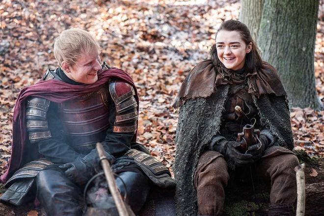 Dao dien 'Game of Thrones' len tieng bao ve Ed Sheeran hinh anh