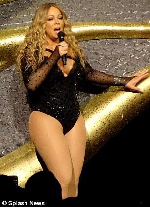 Phat tuong van dien do quyen ru, Mariah Carey khien fan kho chiu hinh anh 6
