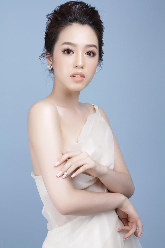 Nhung cau chuyen xuc dong cua thi sinh Hoa hau Hoan vu Viet Nam 2017 hinh anh 5