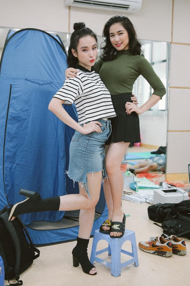 Hoa Minzy nghich ngom tren phim truong 'Glee' hinh anh 6