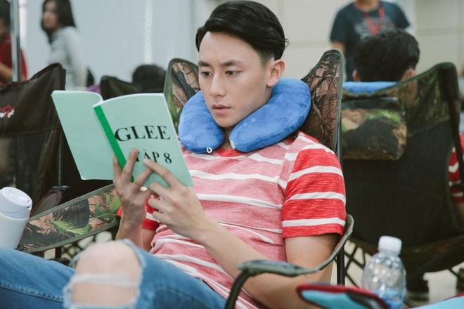 Hoa Minzy nghich ngom tren phim truong 'Glee' hinh anh 3