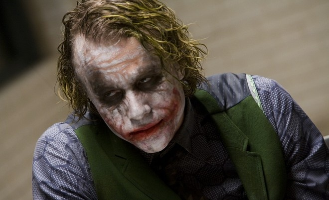 Dao dien 'The Hangover' lam phim ve ga he Joker hinh anh