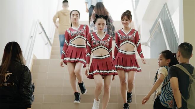 Moi quan he tinh cam tay tu trong 'Glee' tap 2 duoc he lo hinh anh
