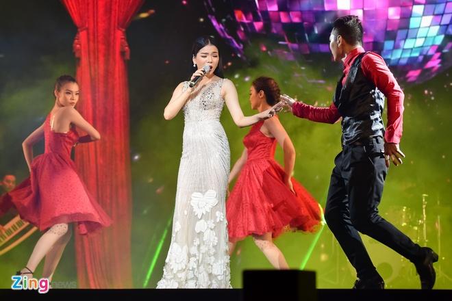 My Tam va Dam Vinh Hung lan dau song ca 'Lau dai tinh ai' hinh anh 11